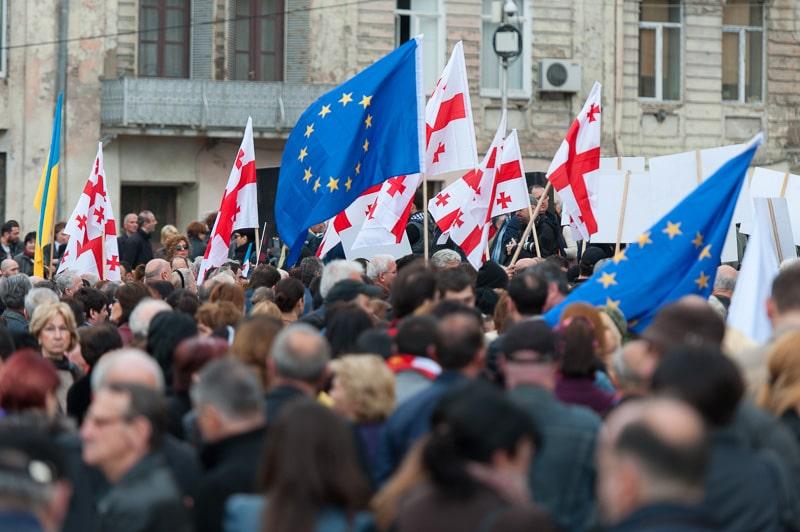 Georgia manifiesta su deseo de pertenecer a la Unión Europea. Desde el Gobierno hasta su población. Todos quieren a la Unión Europea.