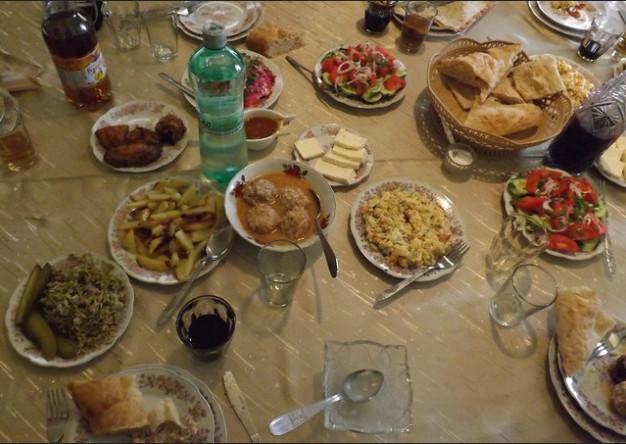 La cocina georgiana, sumada a la hospitalidad de los georgianos, hace que sea una de las más importantes y sabrosas del mundo