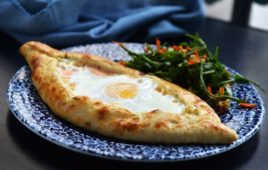 Gastronomía de Georgia: Adjarian Khachapuri