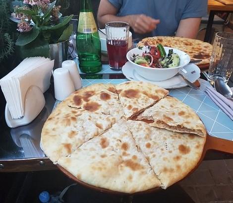 Gastronomía de Georgia: Lobiani Khachapuri